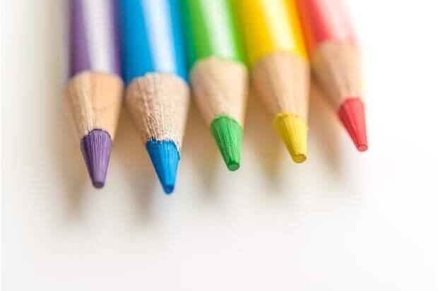 勉強や仕事に集中できる色について